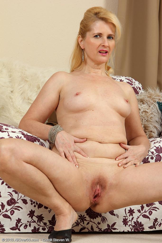 Judy short big breasted brunette