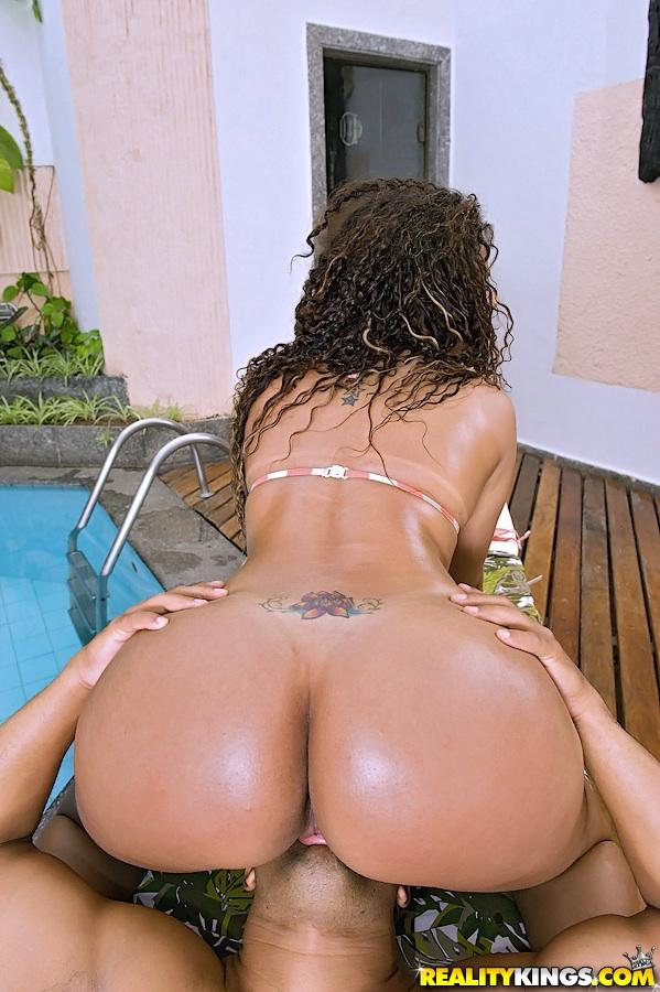 Бразильский большие попы задницы порно