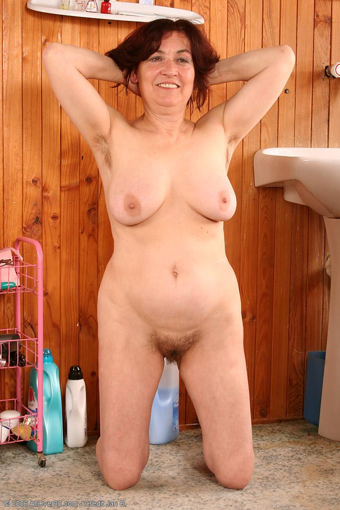 Фото смотреть голые бабы волосатые