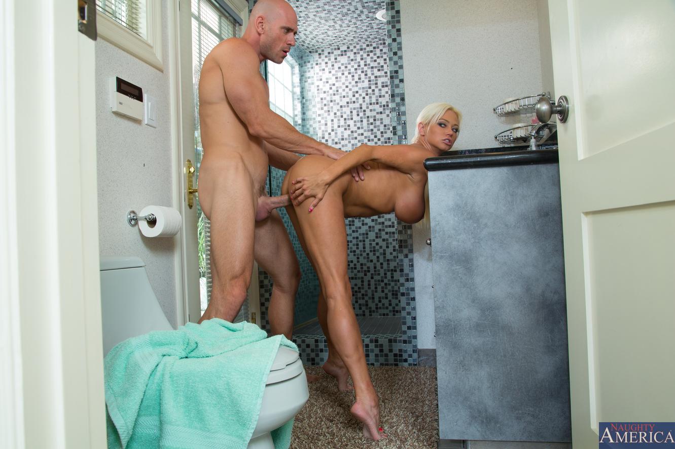 Трахнул сестру в ванной смотреть онлайн, Брат трахает сестру в ванной смотреть онлайн на 11 фотография