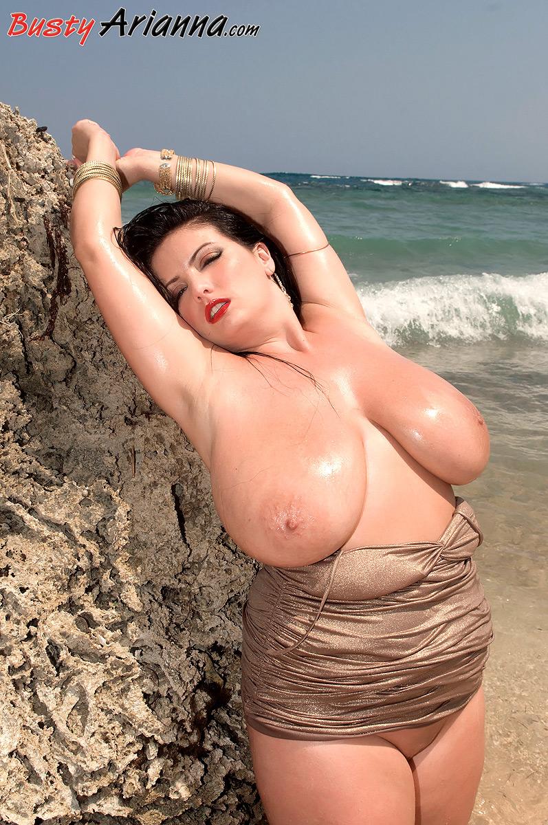 Hot aunty boob