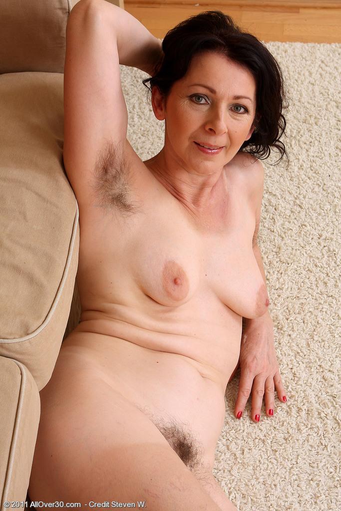 фото голые мамы 50 летние с волосатой пиздой