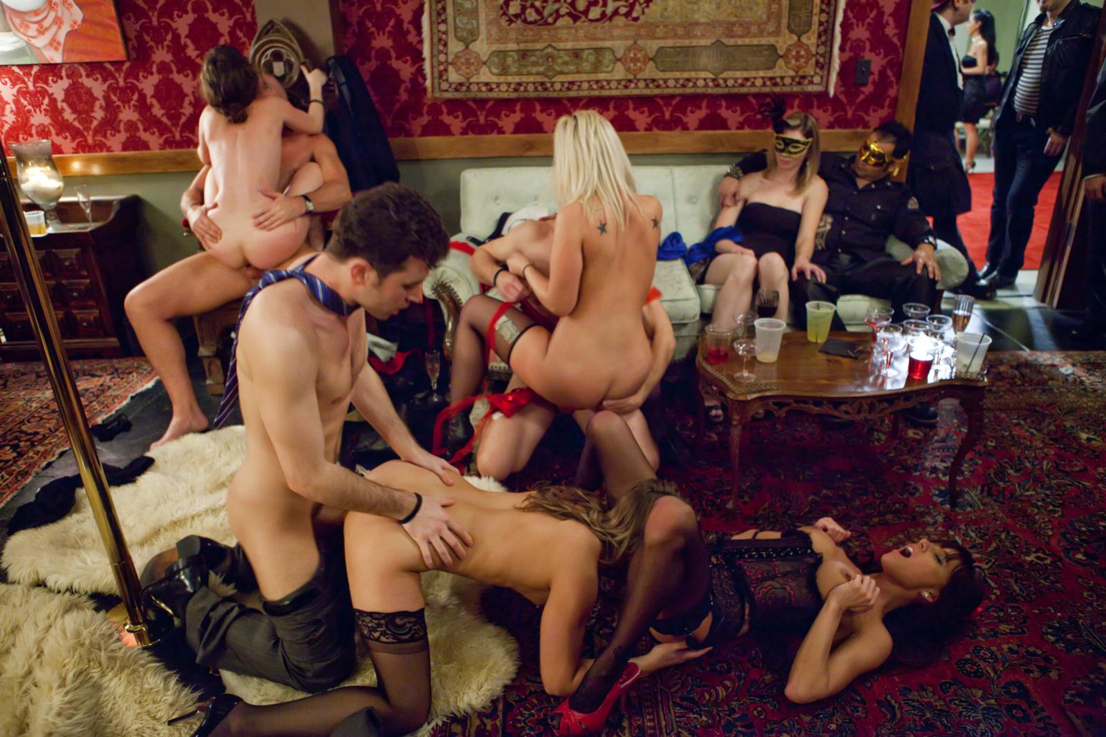 Фото красивого свинга, Свингеры замечательное семейное порно фото занятий 15 фотография
